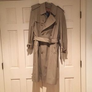 Burberry Trench With Removeable Liner